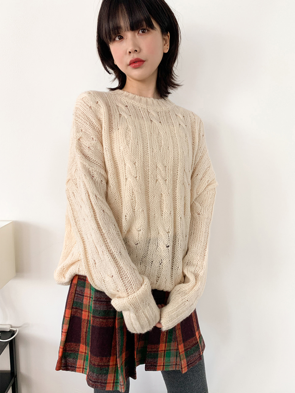[울20%]twisted loose round knit(2color)