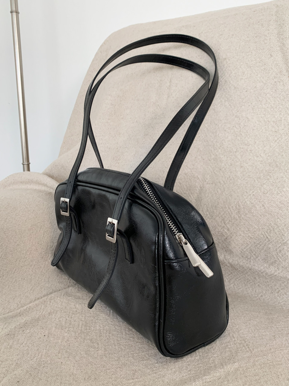 square buckle leather tote bag